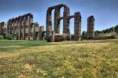 Roman Aqueduct of Merida — Stock Photo
