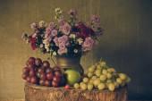 Stilleben mit früchten. — Stockfoto