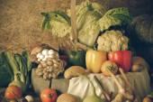 Frutas, ervas e legumes ainda vida — Fotografia Stock
