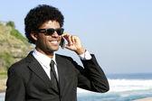 Hombre hablando por celular — Foto de Stock