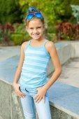 Retrato linda garotinha — Foto Stock