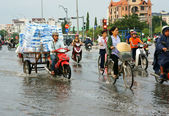 Ho Chi Minh city, lood tide, flooded water — Stock Photo