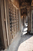 The Gallery of Bas-Reliefs from gopura III at Angkor Wat — Stock Photo