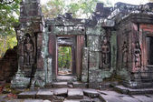 Apsaras  at the bas-relief of Banteay Kdei Temple in Cambodia. — Stock Photo