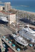 Yacht at marina in Barcelona — Stock Photo