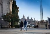 Tourists at Museu Nacional DArt de Catalunya — Stock Photo