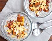 Vanilla chia seed pudding with baked prunes and nuts — Stock Photo