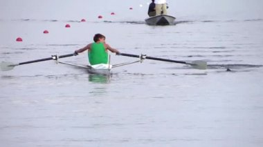 A rowing race — Stock Video