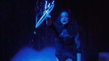 Female performer in soap bubbles magician show — Stock Video