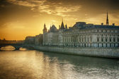 Seine river and Old Town of Paris — Stock Photo