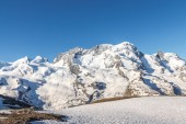 Berg, blauer Himmel, Alpen, Zermatt, Schweiz — Stockfoto