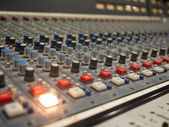 Flashing light on an electronic console — Stockfoto