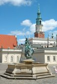 Fountain and Town Hall tower on marketplace in Poznan — Stockfoto