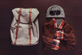 Set of male clothing and backpack — Stock Photo