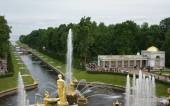 Sea Channel at Peterhof — Stock Photo