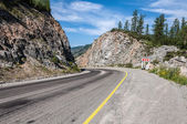 Road mountains curve bend — Stock Photo