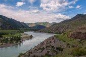 Ciel de montagne river valley — Photo