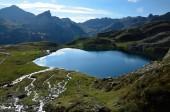 Lake Roumassot in den Pyrenäen Bearn — Stockfoto