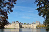 Famous palace of Fontainebleau — Stock Photo