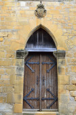 Wooden door in the medieval house — Stock Photo