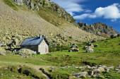 Refuge Modern dans les montagnes — Photo