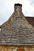 Ancient roof with limestone flat tiles — Fotografia Stock
