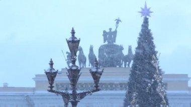 Рождественская елка на дворец Square.St. Петербург. Россия — Стоковое видео