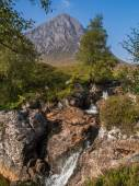 Buachaille Etive Mor and waterfalls — Stock Photo