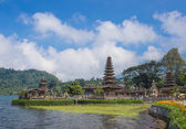 Ulun Danu temple in cloudy day — Stock Photo