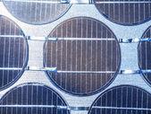 Заделывают солнечной ячейки в фотоэлектрической генерации солнечного света — Стоковое фото