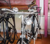 Ighting and handle of aged vintage bicycle — Stock Photo