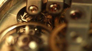 Stary mechanizm złoty zegar — Wideo stockowe