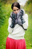 Chica posando en piel scharf — Stok fotoğraf