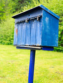 Old blue mailbox — Stock Photo