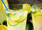 Fresh lemonade drink — Stock Photo