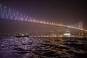 Босфорский мост ночью — Стоковое фото