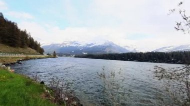 Panoramic shot of a St. Moritz lake — Stock Video