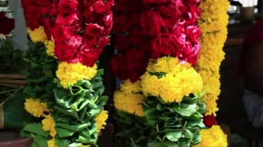 Colorful flower garlands — Stock Video