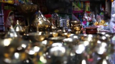 Oil lamps in a store — Stock Video