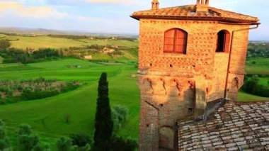 Castello Delle Quattro Torra castle — Stock Video
