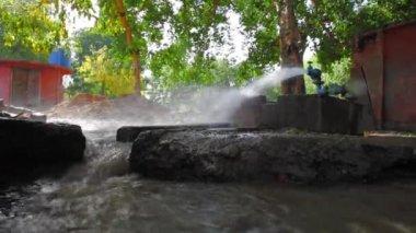 Running water for irrigation — Vídeo stock