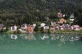 Alleghe lake italien — Stockfoto