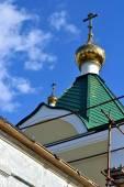 Obnova střechy pravoslavné církve — Stock fotografie