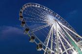 Ferris Wheel at twilight time — Stock Photo