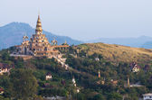Wat Phra Dhat Phasornkaew at Phetchaboon ,Thailand — Stockfoto