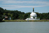 Buddhist house of prayer on the banks of the Danube in Vienna — 图库照片