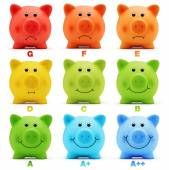 Scale class energy savings efficiency of colorful piggy bank — Stock Photo