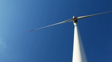 Energy wind turbines and sky — Stock video