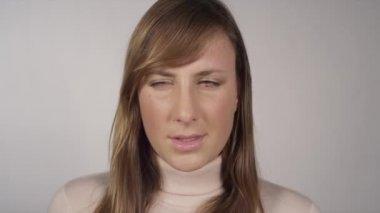 Girl having a bad headache — Stock Video