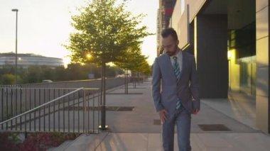 Businessman gets good news — Stock Video